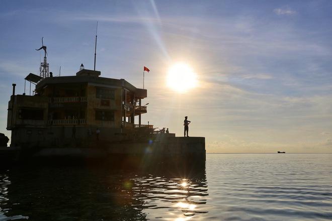 """Từ Cam Ranh đến Trường Sa: Chuyến đi chưa từng có, """"loa phường"""" trên biển và chiếc xe mang biển """"khủng"""" ở đảo Phan Vinh - Ảnh 8."""