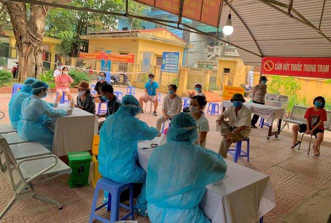 Hơn 21.000 người từ Đà Nẵng về Hà Nội cần đến đâu để làm xét nghiệm nhanh COVID-19? - Ảnh 1.
