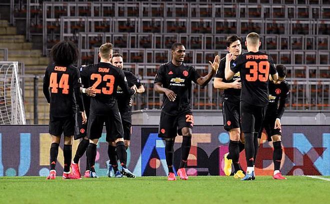 Mở cửa cho ngôi sao đi xả hơi, tham vọng vô địch của Man United bị ảnh hưởng nghiêm trọng