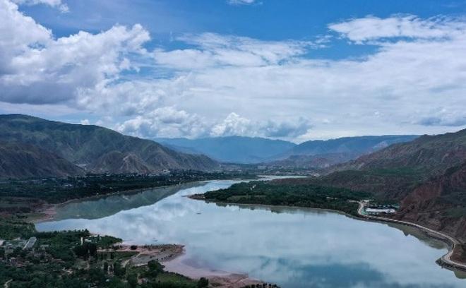 Nước sông Hoàng Hà kỳ lạ nhất trong 500 năm, chuyên gia cảnh báo nguy cơ thảm khốc cho Trung Quốc