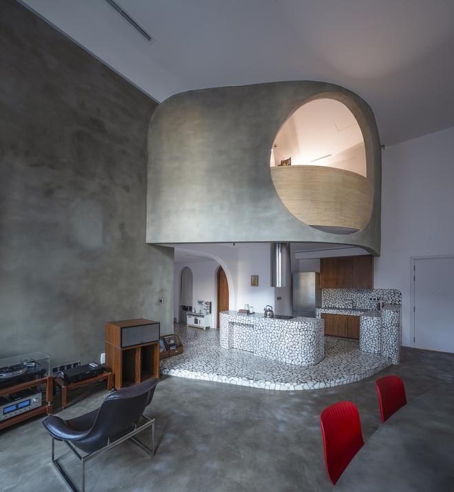 Chiêm ngưỡng căn nhà với lối thiết kế đương đại độc đáo tại Tp.HCM - Ảnh 3.