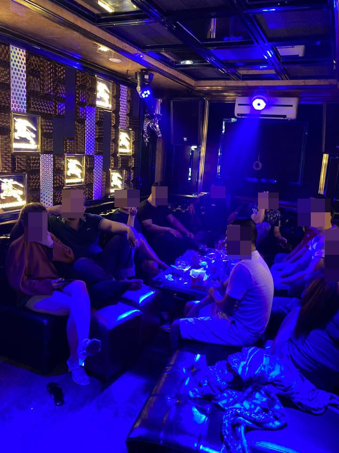 26 nam nữ dương tính ma tuý trong nhà hàng khi TP. HCM vừa tạm đóng cửa quán bar - Ảnh 2.