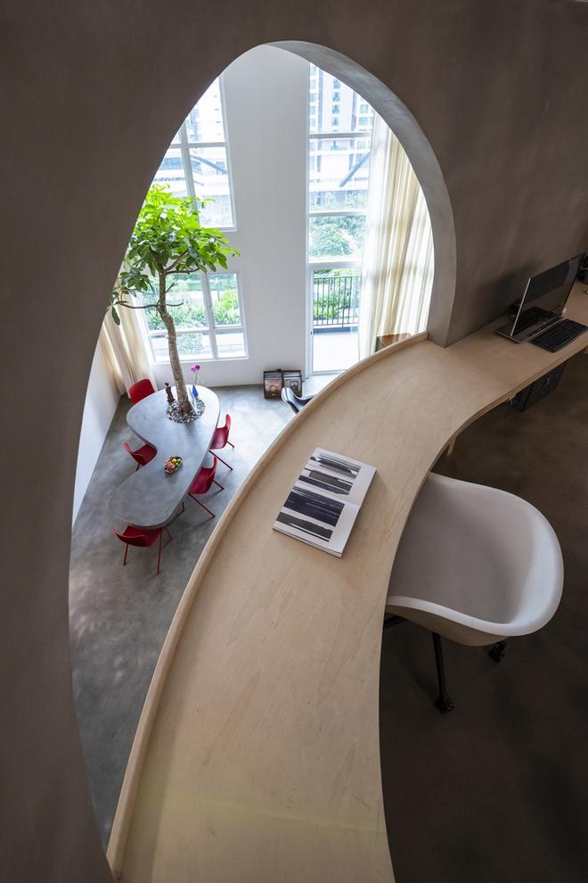 Chiêm ngưỡng căn nhà với lối thiết kế đương đại độc đáo tại Tp.HCM - Ảnh 11.