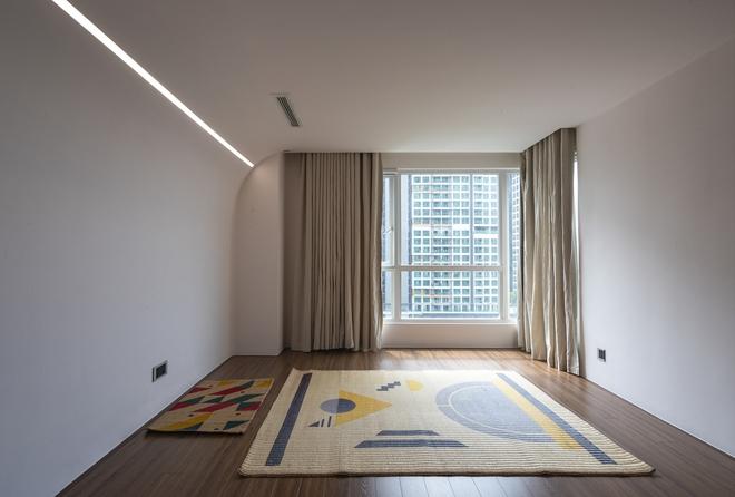 Chiêm ngưỡng căn nhà với lối thiết kế đương đại độc đáo tại Tp.HCM - Ảnh 13.