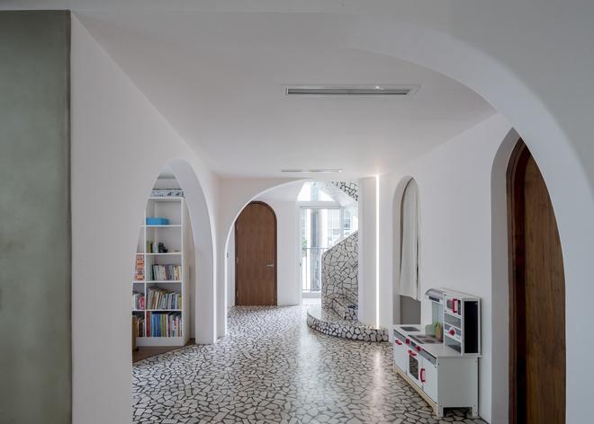 Chiêm ngưỡng căn nhà với lối thiết kế đương đại độc đáo tại Tp.HCM - Ảnh 5.