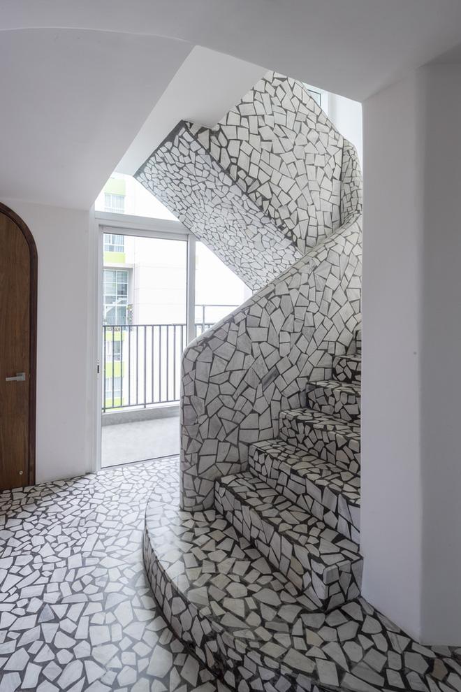 Chiêm ngưỡng căn nhà với lối thiết kế đương đại độc đáo tại Tp.HCM - Ảnh 8.