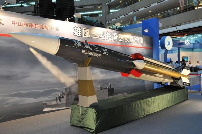 Báo Mỹ: Loạt vũ khí sát thủ khiến TQ hãi tới mức không dại gì dùng vũ lực với Đài Loan - Ảnh 1.