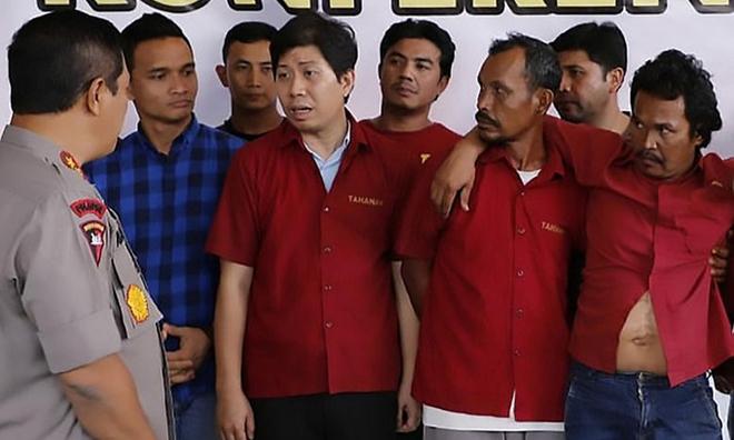 2 nhà báo bị đâm nhiều nhát tử vong ở Indonesia: Số liệu sốc về những người bảo vệ môi trường - Ảnh 1.