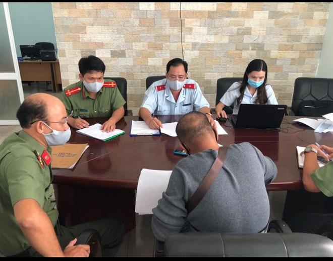 Bệnh nhân thứ 2 mắc Covid-19 tử vong vì bệnh lý nặng; Nữ giáo viên dương tính SARS-CoV-2 ở Đà Nẵng từng đi coi thi tuyển sinh lớp 10 - Ảnh 1.