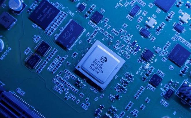 """Vì sao TQ """"vét"""" chip máy tính trước khi trừng phạt của Mỹ với Hồng Kông có hiệu lực?"""