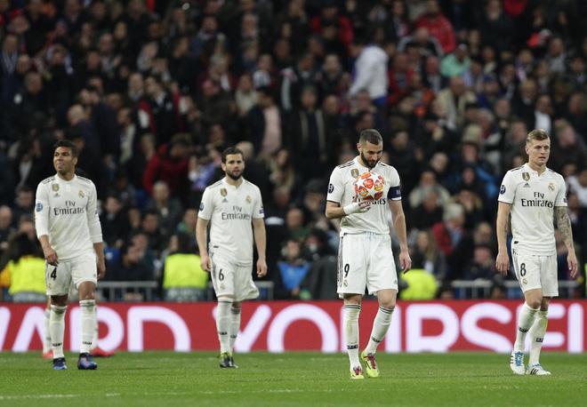 Từ gã hết thời thành người xoa dịu nỗi nhớ Ronaldo, Benzema đã làm như thế nào? - Ảnh 1.