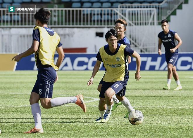 Chuyện lạ ở cabin huấn luyện HAGL trước trận cầu 6 điểm với Hà Tĩnh - Ảnh 3.