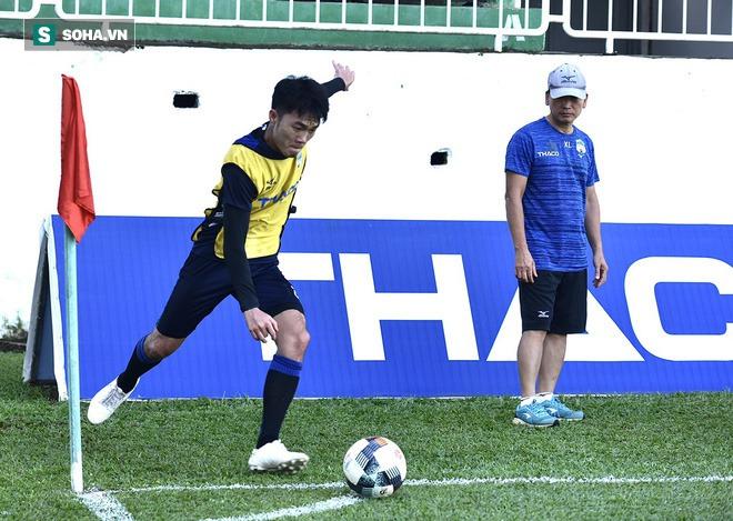 Chuyện lạ ở cabin huấn luyện HAGL trước trận cầu 6 điểm với Hà Tĩnh - Ảnh 4.