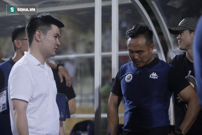 Cha con bầu Hiển gặp riêng BHL Hà Nội FC và trưởng ban trọng tài sau trận hòa tiếc nuối - Ảnh 9.