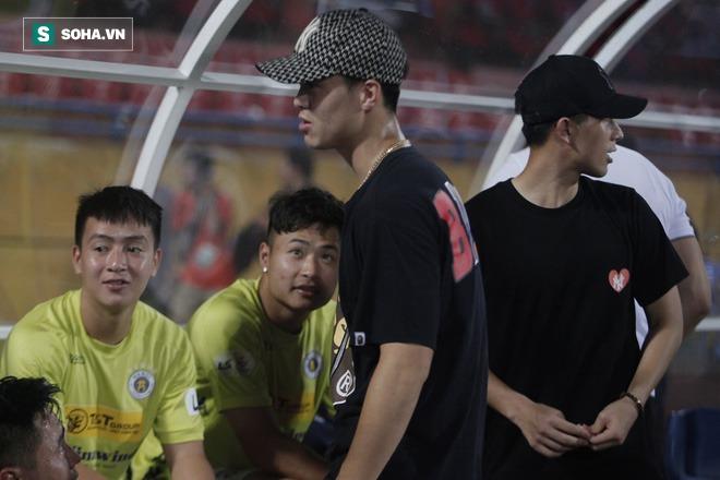 Cha con bầu Hiển gặp riêng BHL Hà Nội FC và trưởng ban trọng tài sau trận hòa tiếc nuối - Ảnh 10.