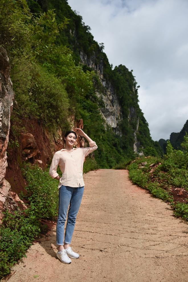 """Hoa hậu Lương Thùy Linh: """"Đặt vương miện xuống, Linh lại được là chính mình"""" - ảnh 2"""
