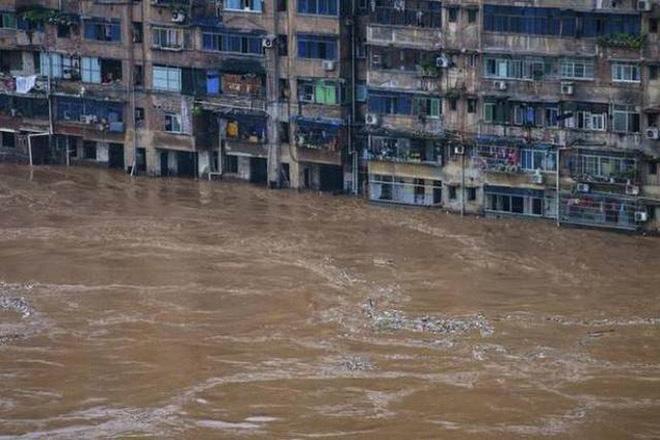 Trung Quốc: Mưa lớn không dứt, lũ lụt dồn dập, người chết gia tăng - ảnh 1