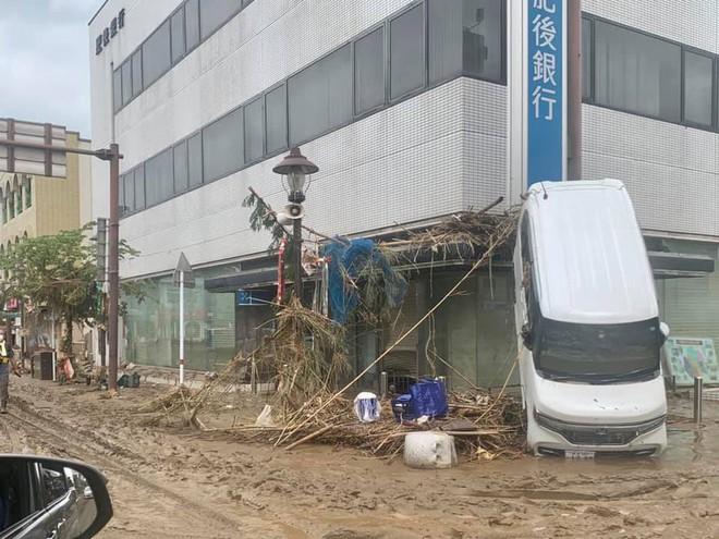 Số người thiệt mạng, mất tích do mưa lũ tại Nhật Bản tăng nhanh - Ảnh 4.