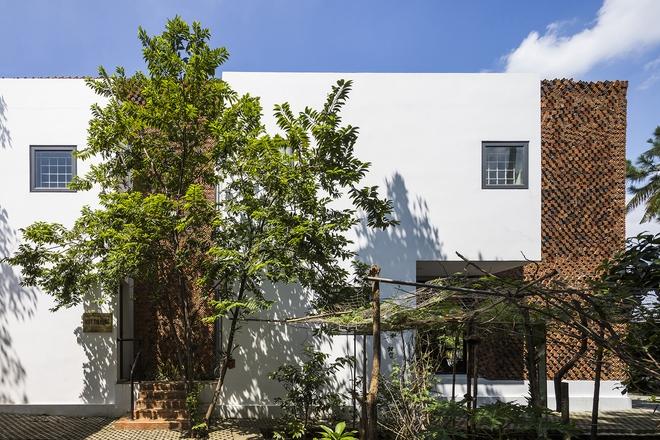 Căn nhà có những bức tường thở tại Biên Hòa nhìn thôi cũng đủ bị mê hoặc - Ảnh 4.