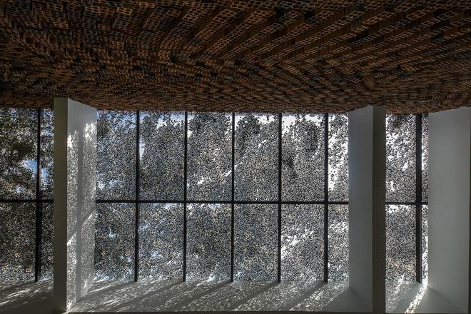 Căn nhà có những bức tường thở tại Biên Hòa nhìn thôi cũng đủ bị mê hoặc - Ảnh 7.
