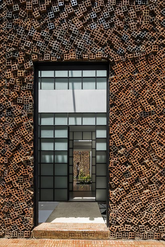 Căn nhà có những bức tường thở tại Biên Hòa nhìn thôi cũng đủ bị mê hoặc - Ảnh 3.