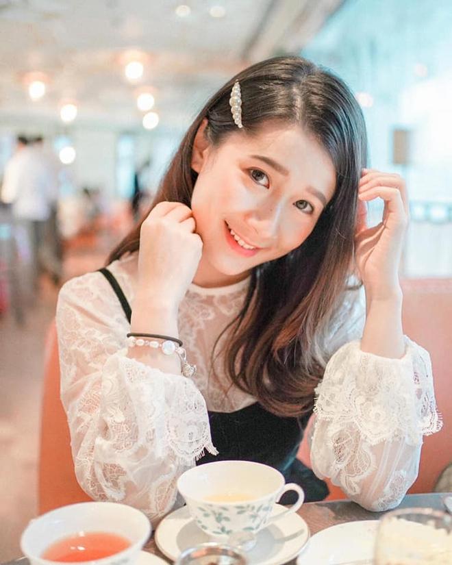Con gái tỷ phú Hong Kong - 26 tuổi, cao 1m57 gây xôn xao khi tham gia thi hoa hậu - Ảnh 1.