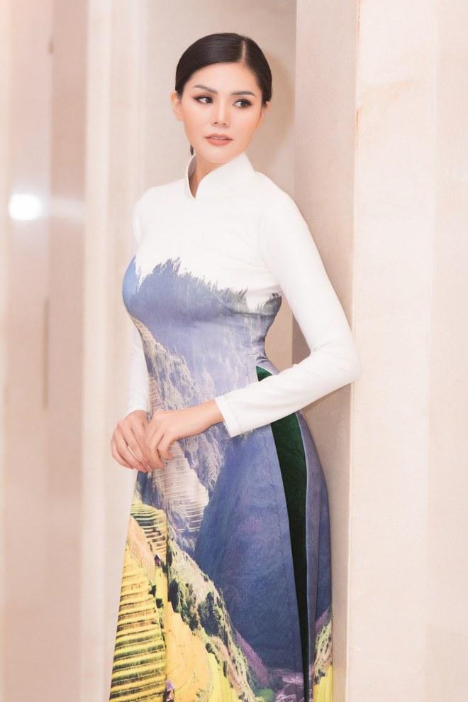 Ca sĩ Phương Anh, hoa hậu Kim Nguyên đẹp nổi bật với áo dài của NTK Nhật Dũng - Ảnh 8.