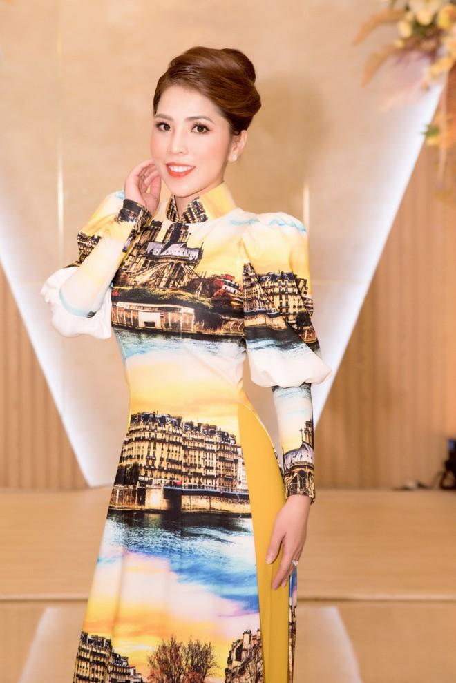 Ca sĩ Phương Anh, hoa hậu Kim Nguyên đẹp nổi bật với áo dài của NTK Nhật Dũng - Ảnh 9.