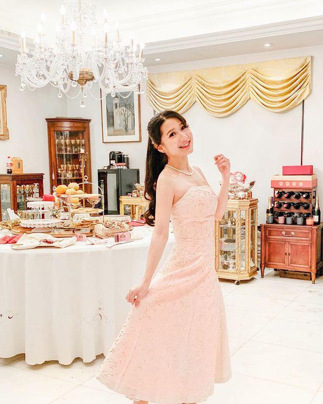 Con gái tỷ phú Hong Kong - 26 tuổi, cao 1m57 gây xôn xao khi tham gia thi hoa hậu - Ảnh 17.