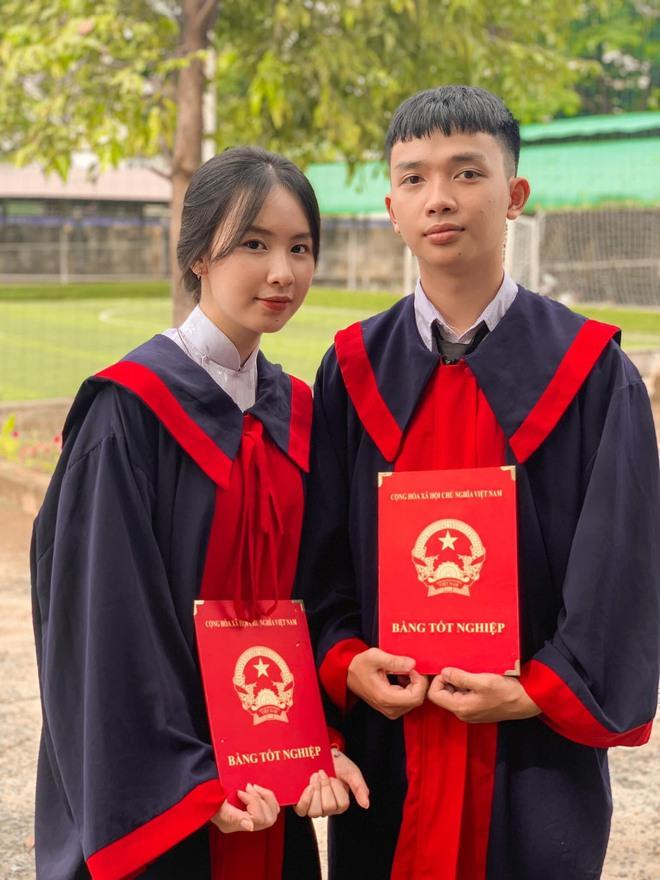 """Chuyện tình lãng mạn của cặp đôi """"thanh mai trúc mã"""" học cùng từ lớp 1 tới khi tốt nghiệp cấp 3 - Ảnh 1."""