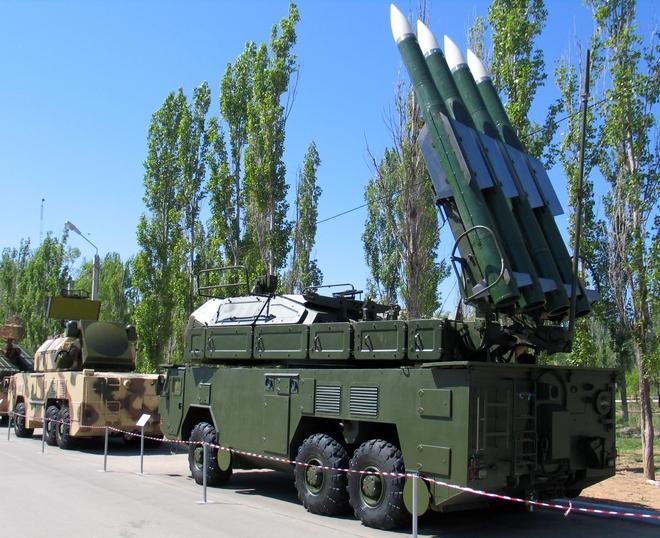 Từ 2017, Sputnik đã chỉ đích danh VN là khách sộp của tên lửa S-400 Nga: Cần là có? - Ảnh 4.