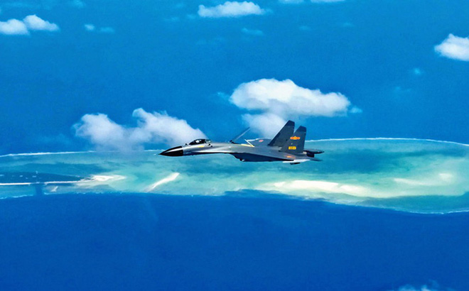 Trung Quốc cùng lúc tập trận trên 3 vùng biển
