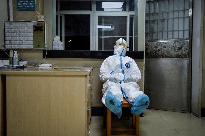 Cuộc sống lao đao của người dân Vũ Hán nửa đầu năm 2020: Dịch bệnh nguôi ngoai không bao lâu đã phải oằn mình chống lũ - Ảnh 15.
