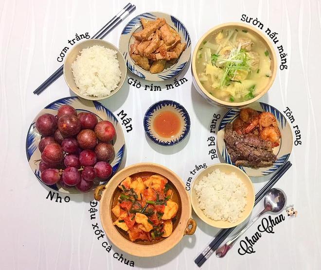 Khoe 30 mâm cơm chuẩn nhanh-ngon-bổ-rẻ, vợ đảm Hà Nội tiết lộ cả bí quyết nấu ăn thần tốc khiến hội chị em trầm trồ - ảnh 12