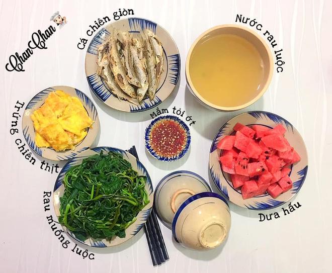 Khoe 30 mâm cơm chuẩn nhanh-ngon-bổ-rẻ, vợ đảm Hà Nội tiết lộ cả bí quyết nấu ăn thần tốc khiến hội chị em trầm trồ - ảnh 14