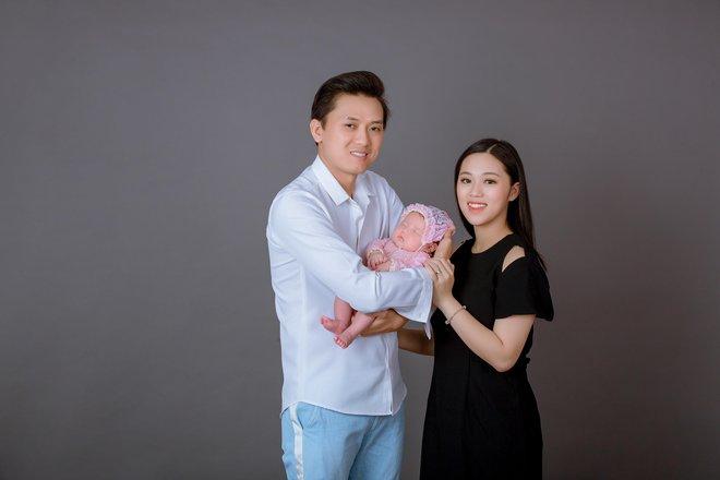 Quách Ngọc Tuyên tiết lộ phản ứng của vợ khi đăng clip hôn bạn diễn nữ - Ảnh 3.