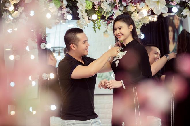 Trương Quỳnh Anh làm người mẫu cho show diễn của NTK Minh Châu - Ảnh 5.
