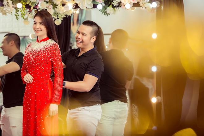 Trương Quỳnh Anh làm người mẫu cho show diễn của NTK Minh Châu - Ảnh 6.