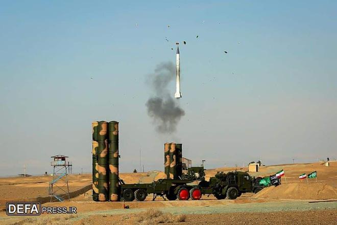 Tên lửa S-300 vượt biển thẳng tiến đến Tehran, phòng không Iran hành động khẩn cấp - Ảnh 1.
