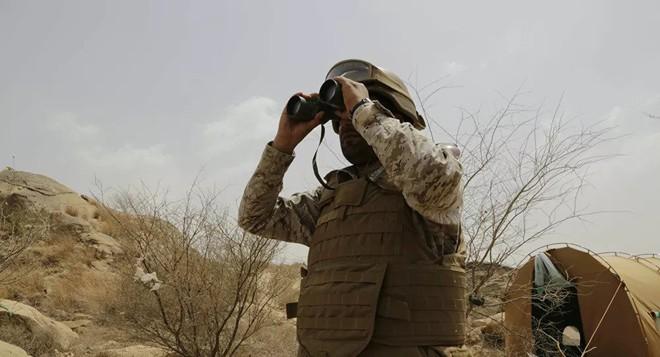 """Bị tấn công dồn dập, tướng lĩnh Iran họp khẩn - Tên lửa S-400 Nga """"nghênh chiến"""" tất cả các tiêm kích tối tân Mỹ, kể cả F-35 và F-22 - Ảnh 1."""