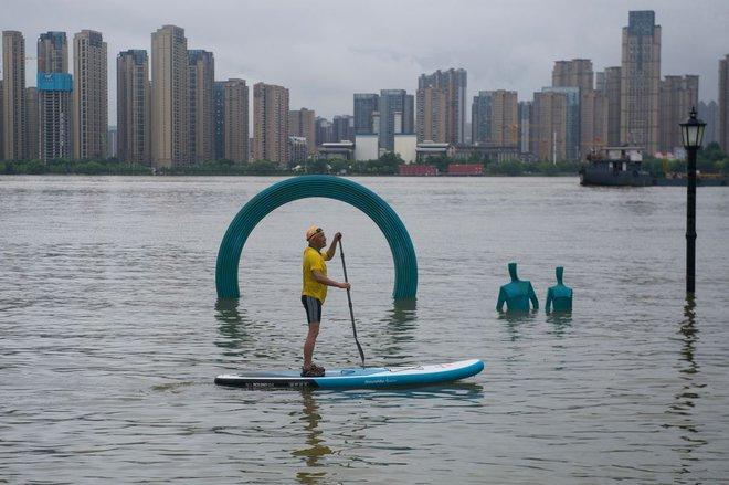 TQ: Hồ thủy điện phải mở 7 cổng xả lũ lần đầu tiên sau 9 năm - ảnh 1