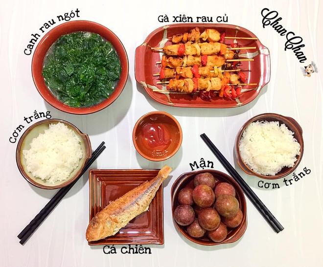 Khoe 30 mâm cơm chuẩn nhanh-ngon-bổ-rẻ, vợ đảm Hà Nội tiết lộ cả bí quyết nấu ăn thần tốc khiến hội chị em trầm trồ - ảnh 2