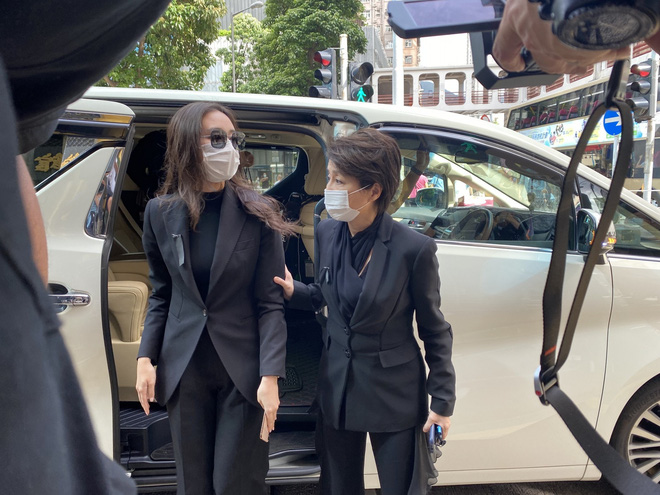 Gia quyến lần lượt đến tang lễ của Vua sòng bài Macau: Con trai xuất hiện sau lùm xùm tình ái, con gái thứ 3 đòi tranh gia tài cũng có mặt - Ảnh 14.
