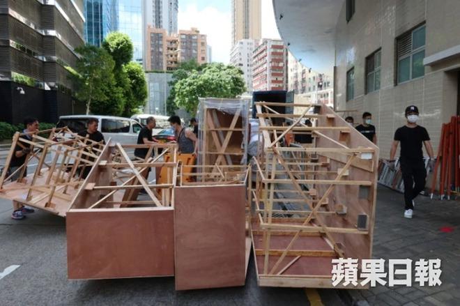 Quang cảnh tại tang lễ Vua sòng bài Macau: 3 con gái út trực tiếp chỉ đạo sắp xếp hậu sự của bố, cỗ quan tài trị giá gần 24 tỷ đồng - Ảnh 10.