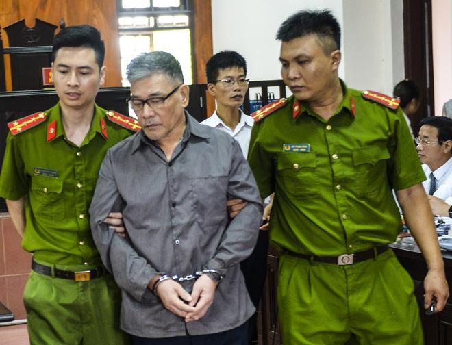Vụ cựu phó GĐ truy sát cả nhà em gái ở Thái Nguyên: Bố mẹ tôi chết quá oan uổng, lại chết dưới mũi dao của anh trai - Ảnh 2.
