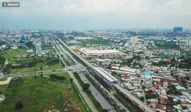 [ẢNH] Hình dáng ga metro khu Công Nghệ Cao lộ diện sau 8 năm xây dựng - Ảnh 15.