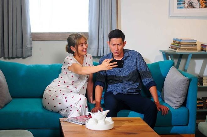 Ngọc Lan: Không hiểu tôi bị ngu muội hay mắc nợ Huy Khánh mà anh ấy kêu gì tôi cũng làm - Ảnh 3.