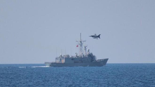 Không quân, hải quân Thổ ồ ạt áp sát Libya, Ai Cập sẵn sàng quyết chiến - Ảnh 2.
