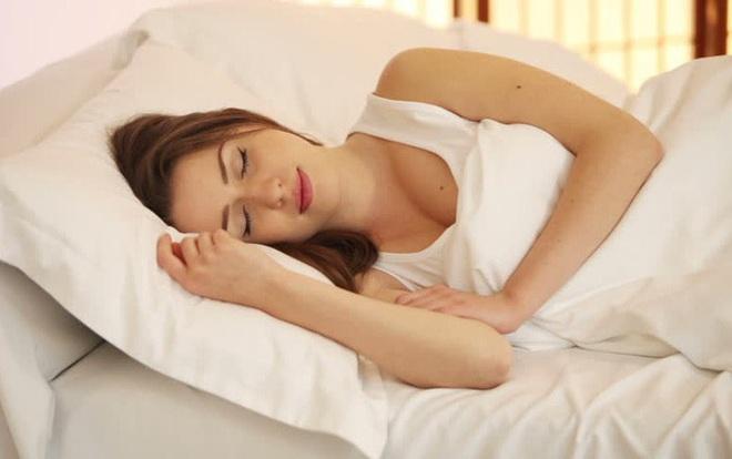 Sự thật về cách trị mất ngủ chỉ sau 1 tuần - Ảnh 1.