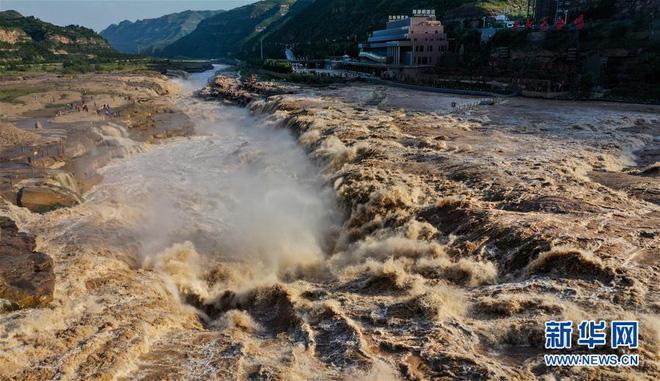 Hoàng Hà ngàn dặm đổ về một chiếc hồ lô: Cảnh tượng kỳ vĩ hiếm gặp của thác nước vàng lớn nhất thế giới - Ảnh 6.